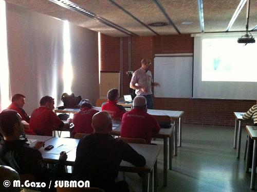 Momento durante el curso al Grup d'Actuacions Especials (GRAE) de los  bomberos de la Generalitat de Catalunya