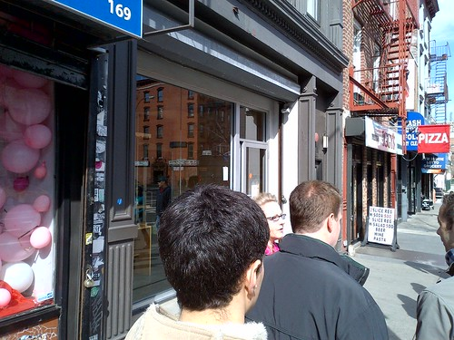 Line to get in to Momofuku Noodle Bar
