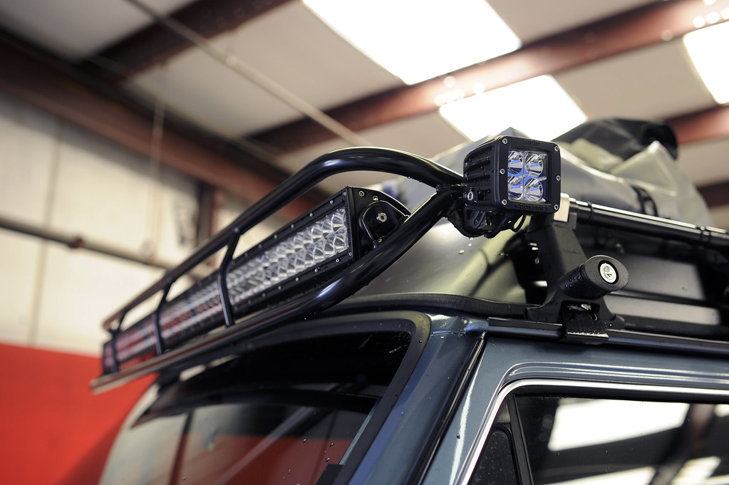 How do you hook up a led light bar