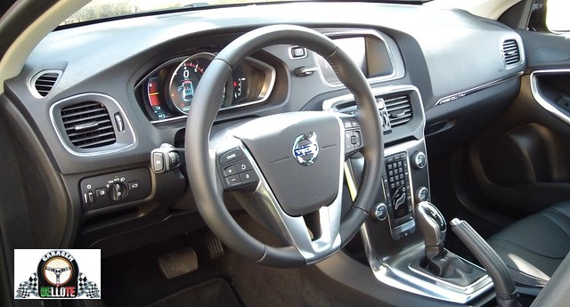 Lançamento - Volvo V40 Cross Country