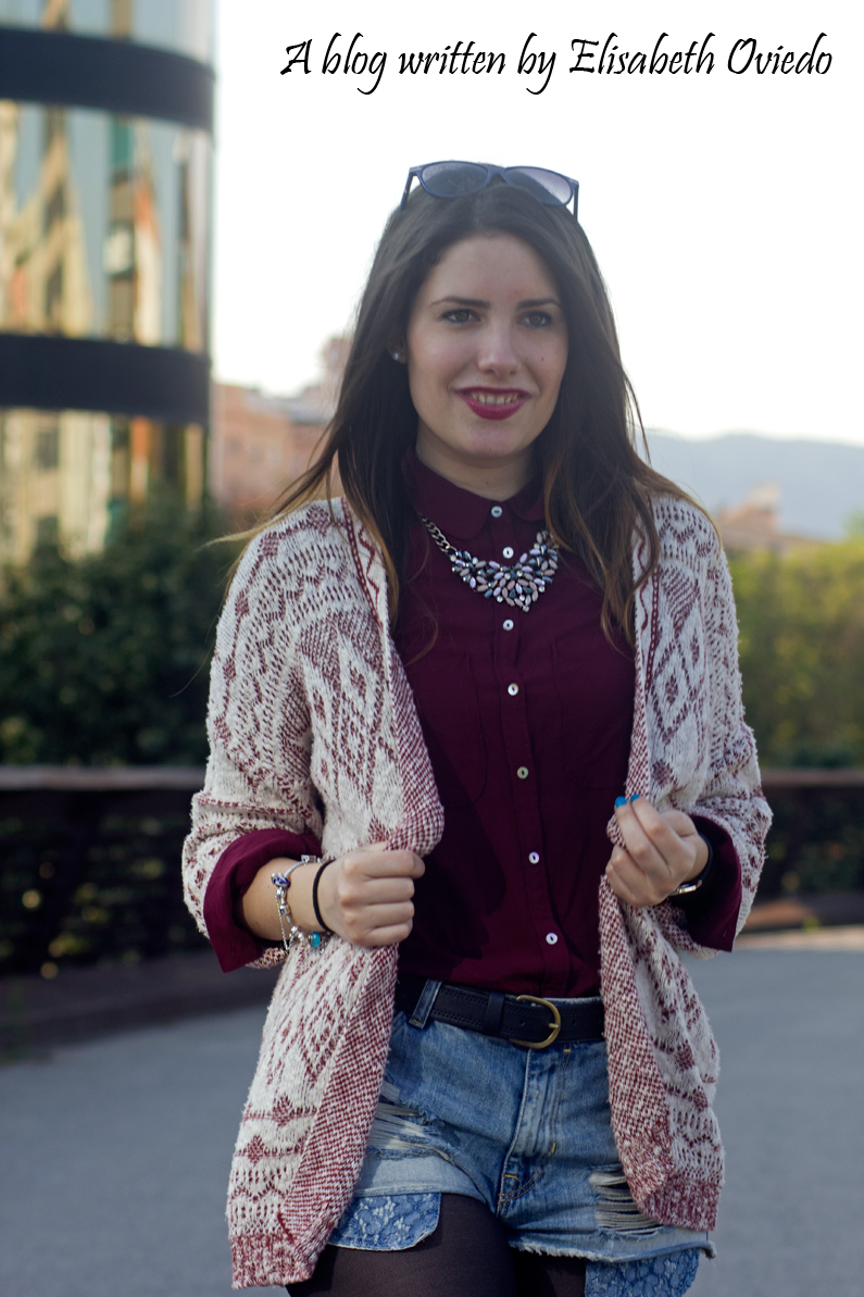 shorts denim camisa burgundy look HEELSANDROSES (2)