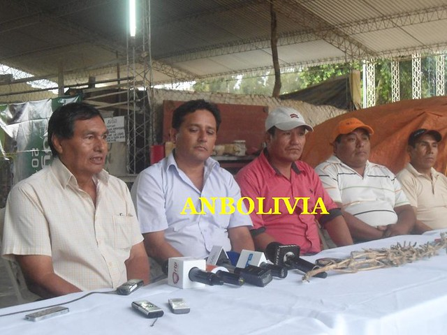 PRODUCTORES DE CUATRO CAÑADAS: 'AL NO SALIR NI UN GRANO DE SOYA, NOS ESTA MATANDO A LOS AGRICULTORES'