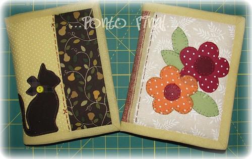 ...Capinhas de caderneta em patchwork... by Ponto Final - Patchwork