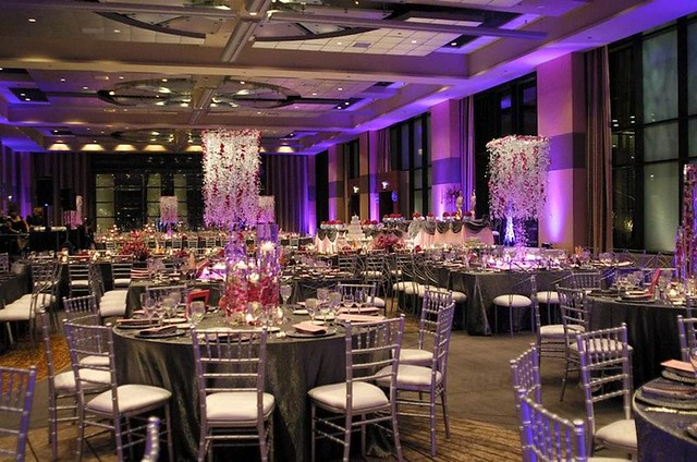 Chicago Wedding Venues Downtown Hyatt Regency Chicago offers an