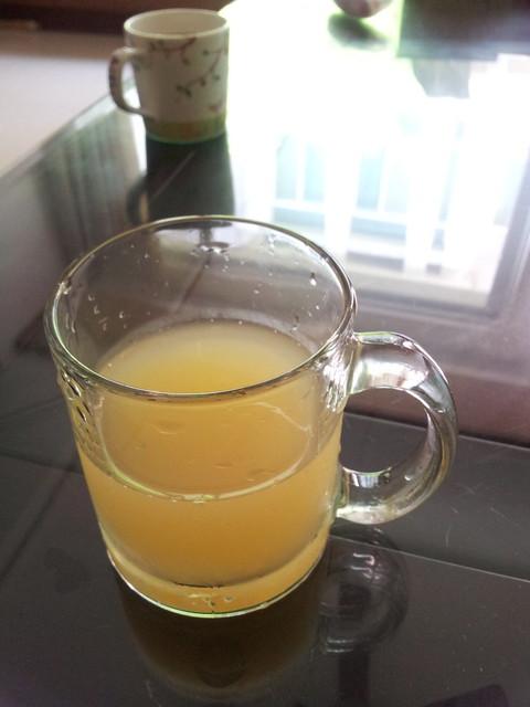 20120306  來杯蜂蜜葡萄柚綠茶。