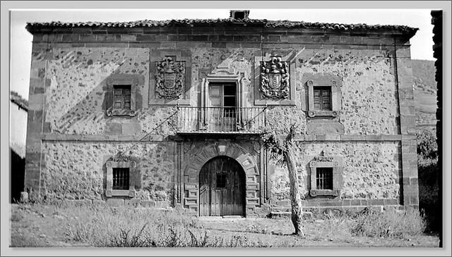 9 FACHA SUR DEL PALACIO DE FERNAN GONZALEZ 2