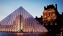 Anoitecer no Louvre