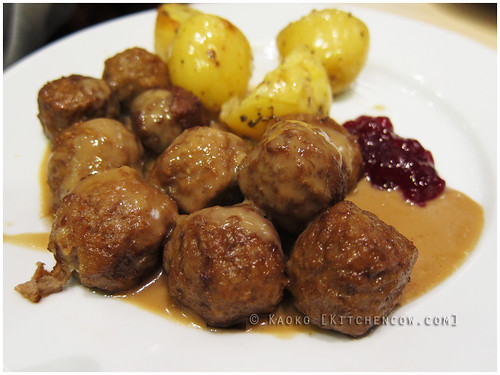 IKEA - Swedish Meatballs by kaoko
