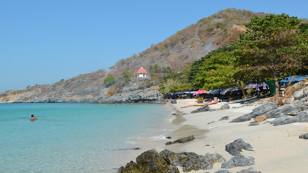 Koh Sichang - Tam Pang Beach
