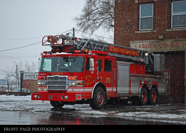 Detroit Fire - Ladder 18