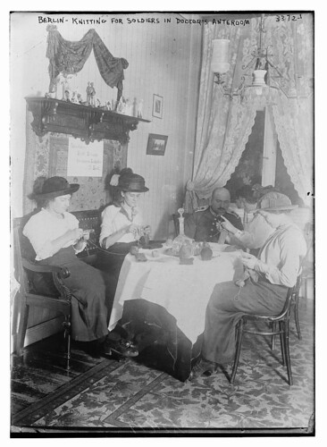 Berlin -- knitting for soldiers in Doctor's anteroom (LOC)