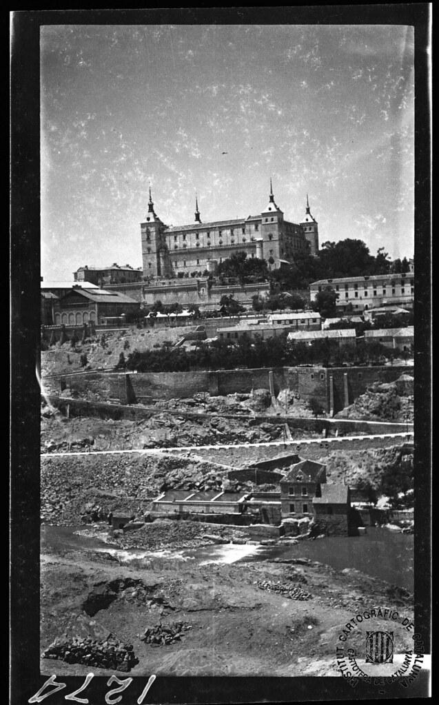 Alcázar de Toledo en 1933. Fotografía de Gonzalo de Reparaz Ruiz. © Institut Cartogràfic de Catalunya