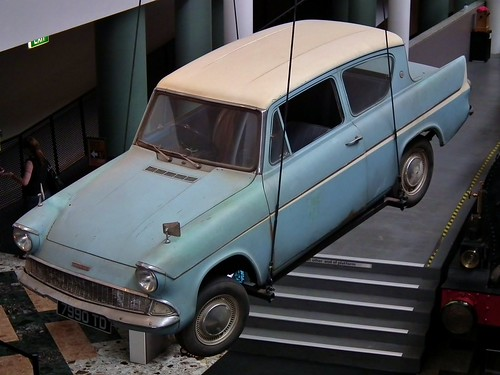 Ford Anglia 105E Deluxe sedan - Harry Potter Flying Car