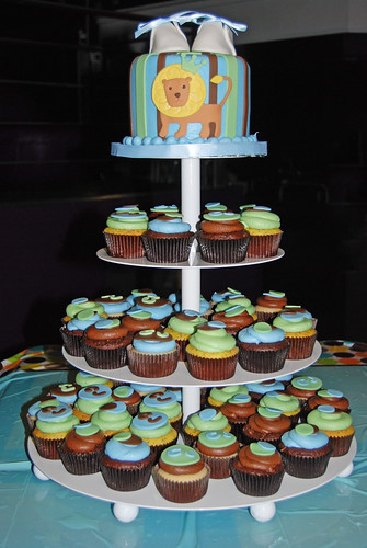 We created this cupcake tower to coordinate with the King of the Jungle
