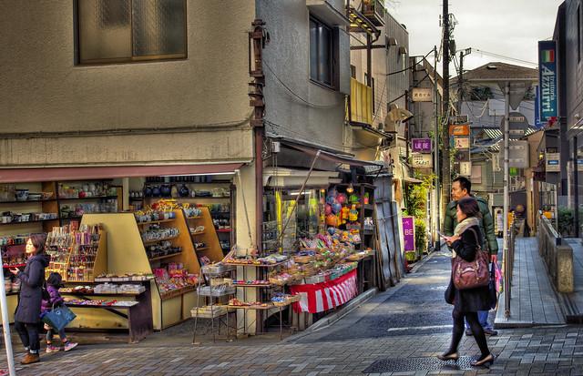 Photo:陶器屋さんの角で By jun560