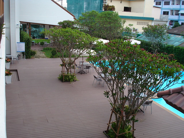 the pannarai hotel swimming pool6