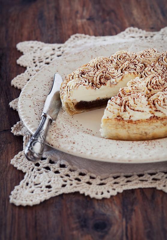 Tart with jam and cream cheese