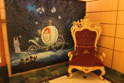 Disney Fantasy decor