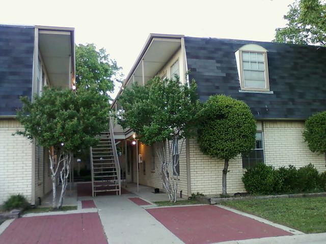 Rachelle's Apartment Complex