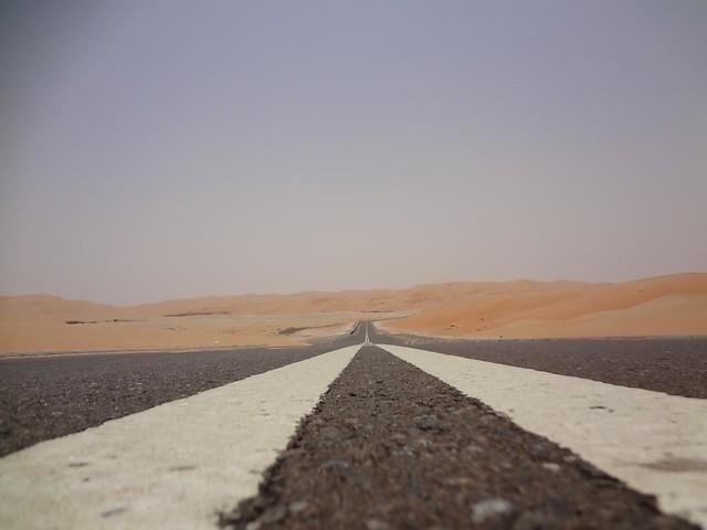 Fotografias guiar no deserto ate a grande Duna de Tal Mireb, Emirados Arabes