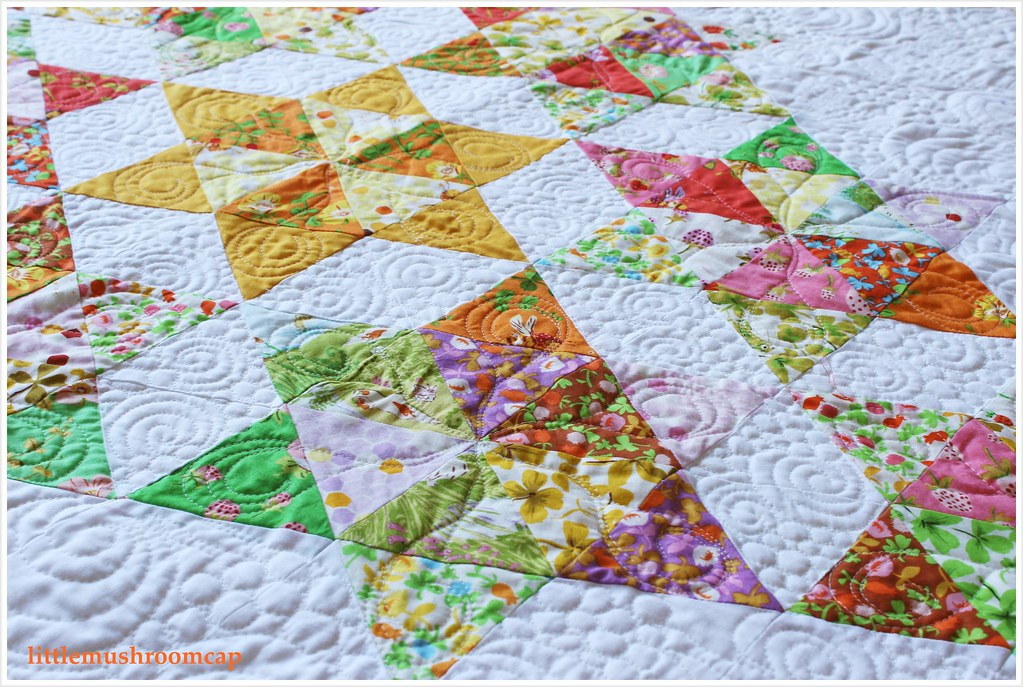 Quilt Briar Rose Starry Diamond Equilateral Triangle Close up
