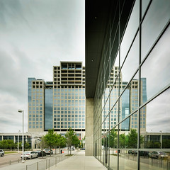 One Arts Plaza (L) & Dallas City Performance Hall (R) | Dallas, TX | Morrison Seifert Murphy w/ Corgan Associates, Inc.; SOM