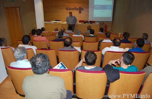 Asociados de AESLUX asisten a la jornada técnica sobre el nuevo reglamento ICT2 en CONFAES.