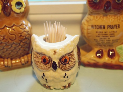 kitchen owls - toothpick holder