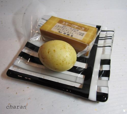 チーズとゆで卵の燻製 by Poran111