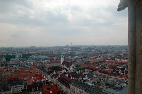Am Horizont ist das Belvedere zu erkennen, links der Stadtpark