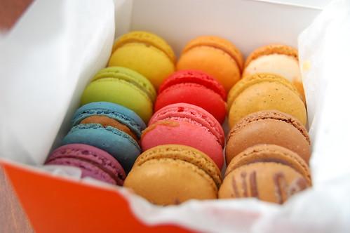 mira's macarons (1)