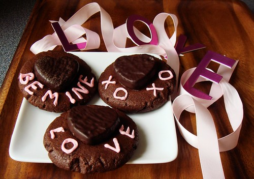 Cocoa Peppermint Shortbread with Mint Pattie Heart
