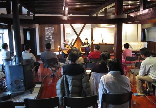 弾き回し練習会演奏風景 2012年3月31日 by Poran111