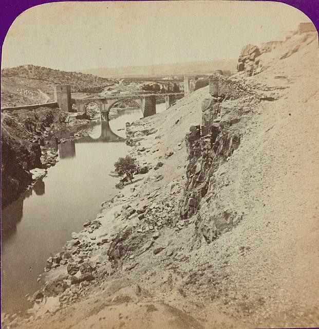 Puente de San Martín y Roca Tarpeya. Fotografía estereoscópica de Jean Andrieu en 1868 con número de serie 2650