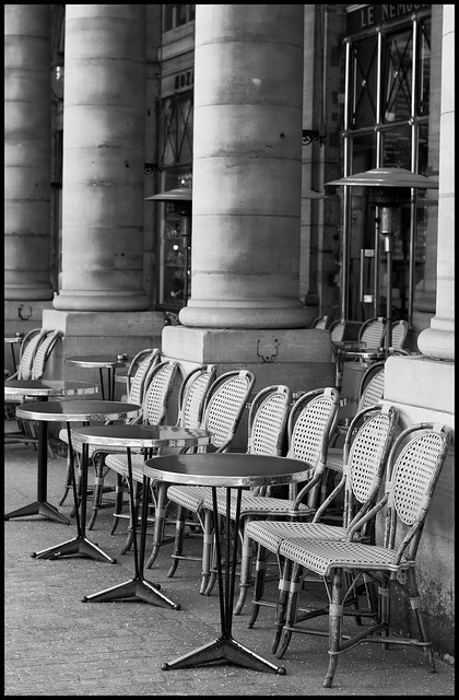 Chairs outside cafe BW Fr