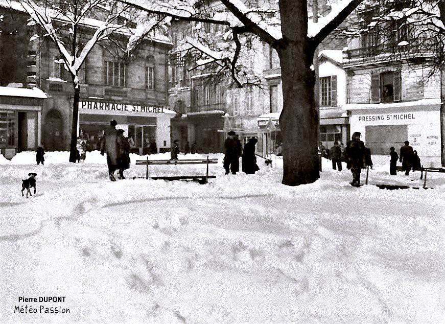 place Saint-Michel sous la neige à Bordeaux, lors de la vague de froid de février 1956 météopassion