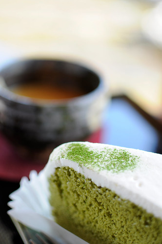 抹茶シフォンとほうじ茶ラテ