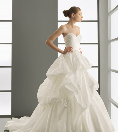 sweetheart ball gown wedding dress When you have a welltoned stunning back