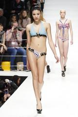 model, runway, fashion, fashion design, fashion show, fashion model,