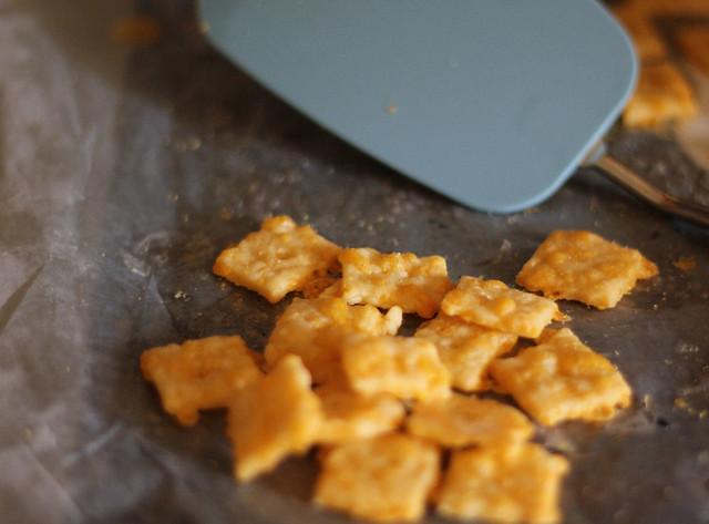 Full Bellies, Happy Kids: Homemade Cheese Crackers