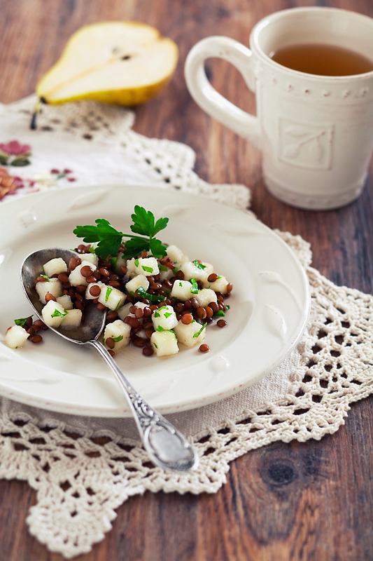 Lentil and pear salad