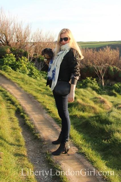 Mercy Delta scarf & Dachshund