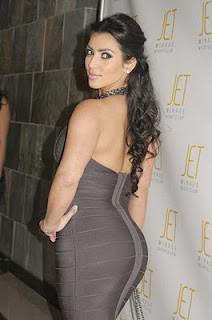 Kim Kardashian lagi bulan madu