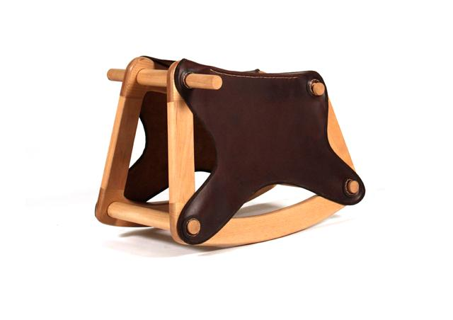 רעות בשן, מתוך תערוכת סוסי נדנדה שתוצג בקניון חולון