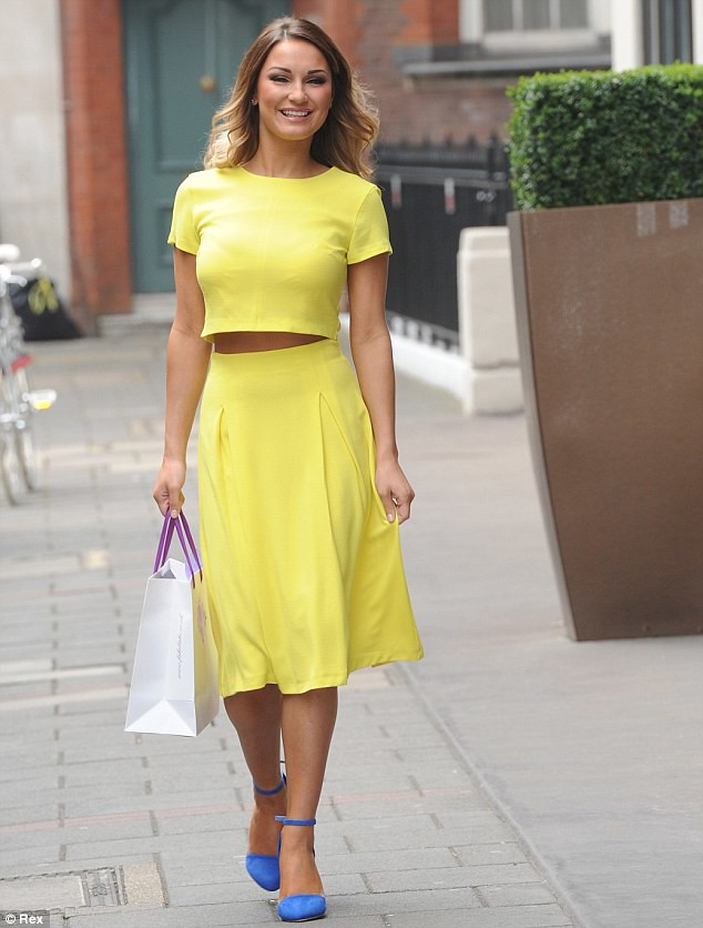 Full skirts trend: How to style spring summer skirts | FashionCadet