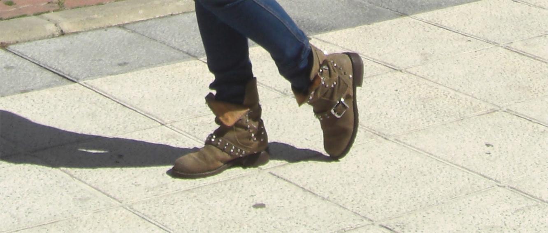 botas rayas zara; jeans h&m