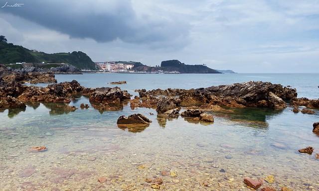 Candas desde la playa de Huelgues