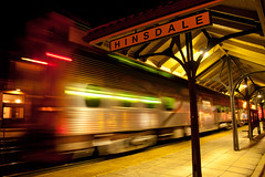 Hinsdale - Chicago Train at Station