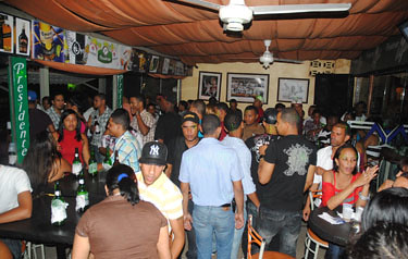 Sábado full en @ Milleniun Bar