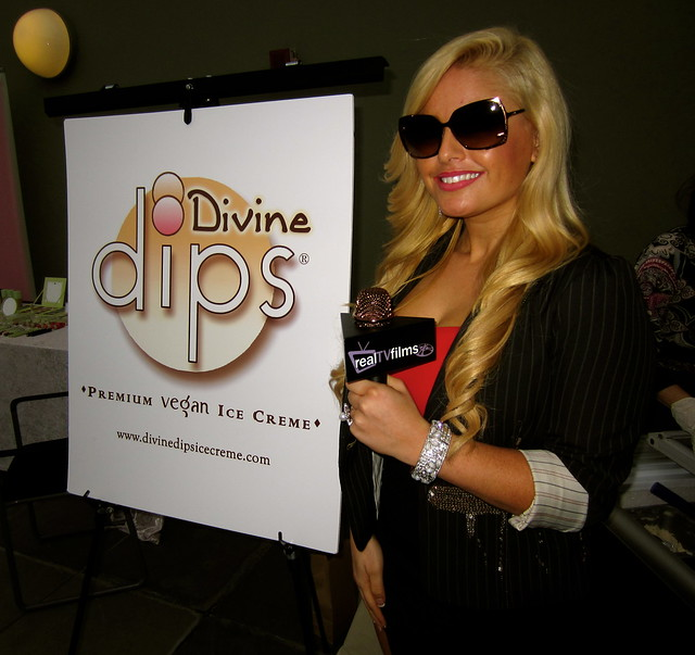 Divine Dips, Tia Barr, Alive Expo, Project Green, Oscars Gifting Suite, Petersen Automotive Museum